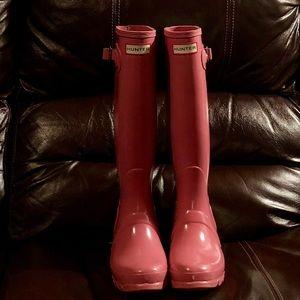 Women's size 5 Hunter boots!